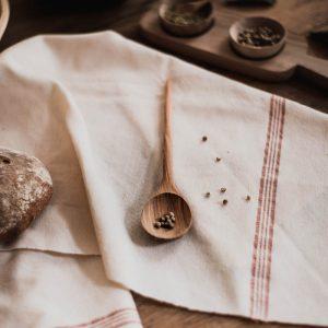 cuillère à café en bois de noyer arrondie Fatma